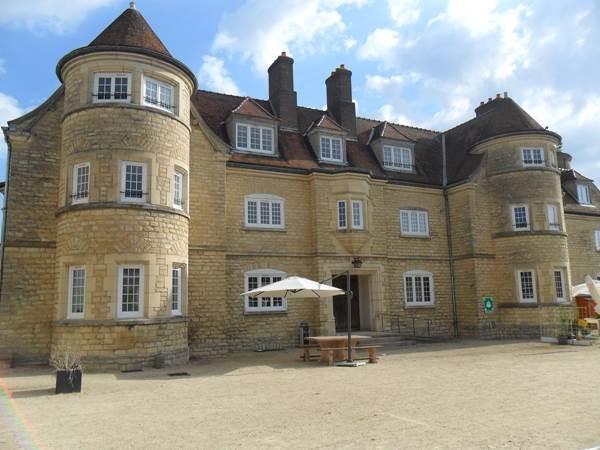 Chateau de Bazincourt